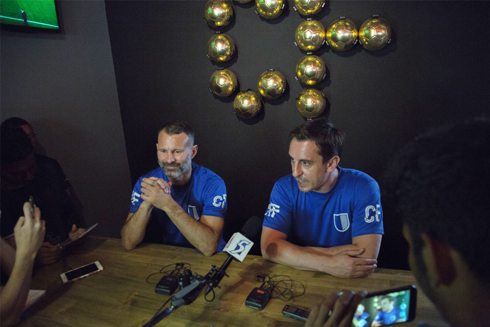 Ryan Giggs (left) and Gary Neville (right) at the official launch of Cafe Football. Photo courtesy of: Klix Photography