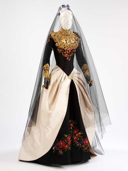 Black And Gold Wedding Dresses - Wedding Photography