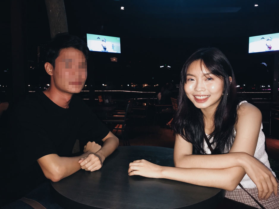 Jia Wen and W out on a date after meeting on dating app, Happn.