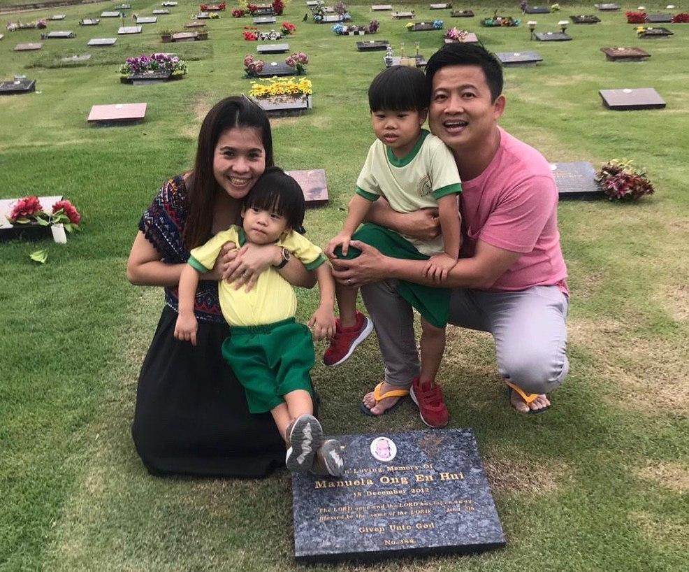 stillborn grave
