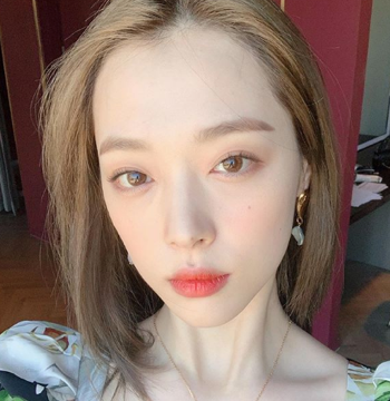 K-pop star Sulli